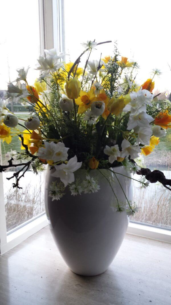 Zijden bloemstuk Pasen