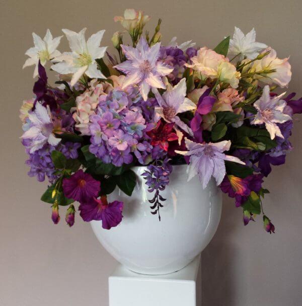 Zijden bloemstuk Clematis