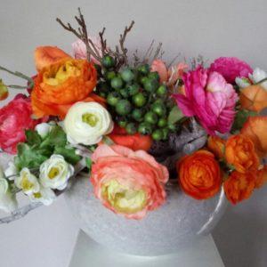 Zijden bloemstuk ranonkel